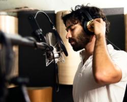 Giulio Voce e il nuovo viaggio in musica verso Tortuga